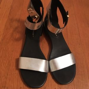 United Nude Lin Lo silver sandals size 40/9-9.5